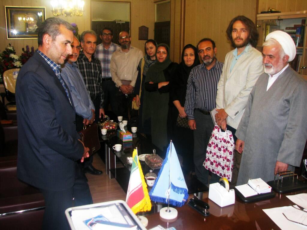 دیدار اعضای انجمن سینمای جوانان ارومیه با مدیرکل ارشاد استان