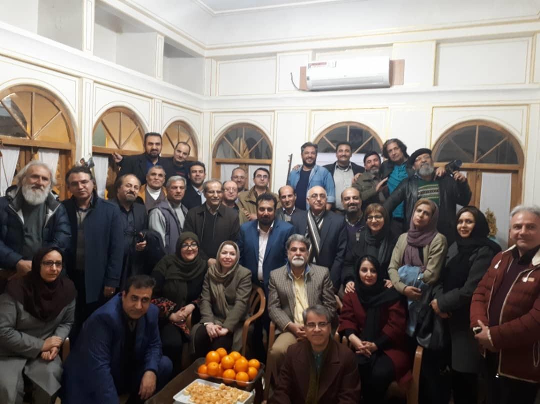دورهمی هنرجویان ده شصت انجمن سینمای جوانان اصفهان